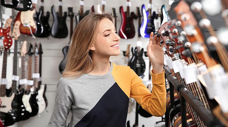 Katero kitaro izbrati: klasično, akustično ali električno?